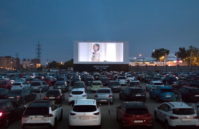 Volver al cine y 'por todo lo alto'